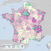 Nombre de ménages fiscaux et médiane du niveau de vie par département en 2014